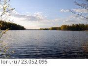 Купить «Вид с берега на озеро Егерское на Валдае», фото № 23052095, снято 6 мая 2016 г. (c) Рябков Александр / Фотобанк Лори