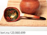 Купить «Ложка в стиле хохлома», эксклюзивное фото № 23060699, снято 9 июня 2016 г. (c) Яна Королёва / Фотобанк Лори