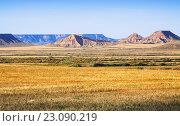 Купить «semi-desert landscape of bardenas reales natural park», фото № 23090219, снято 16 июня 2019 г. (c) Яков Филимонов / Фотобанк Лори