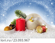 Рождественский фон. Новогодние украшения. Стоковое фото, фотограф Лариса К / Фотобанк Лори