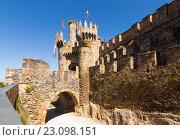 Bridge and gate of the Templar Castle. Ponferrada, Castile and Leon, Spain. Стоковое фото, фотограф Яков Филимонов / Фотобанк Лори