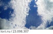 Купить «Кучевые облака», видеоролик № 23098307, снято 16 августа 2018 г. (c) Сергей Эшметов / Фотобанк Лори