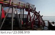 Купить «Укладка подводного оптического кабеля на дно моря», видеоролик № 23098919, снято 27 ноября 2015 г. (c) Александр Багно / Фотобанк Лори