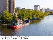 Купить «Причал у элеватора в Самаре», фото № 23112627, снято 11 мая 2016 г. (c) Акиньшин Владимир / Фотобанк Лори