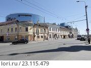 Купить «Казань, дома на улице Московской», эксклюзивное фото № 23115479, снято 11 мая 2016 г. (c) Дмитрий Неумоин / Фотобанк Лори