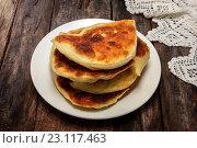 Купить «Карельская выпечка. Свательные пироги- keitinpiiroa. Пироги для зятя с пшенной кашей», фото № 23117463, снято 19 июня 2016 г. (c) Наталья Осипова / Фотобанк Лори
