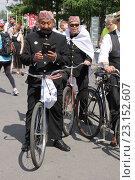 Исторический велопарад на ВДНХ (2016 год). Редакционное фото, фотограф Устинова Мария / Фотобанк Лори