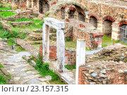 Купить «Развалины древних построек Римский форум или Античная Агора в историческом центре города», фото № 23157315, снято 14 марта 2016 г. (c) Parmenov Pavel / Фотобанк Лори