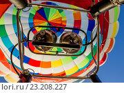Устройство воздушного шара. Крупным планом приборы измерения температуры (2016 год). Редакционное фото, фотограф Ирина F24 / Фотобанк Лори