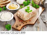 Купить «Холодец на кухонном столе», фото № 23221899, снято 6 июля 2016 г. (c) Надежда Мишкова / Фотобанк Лори