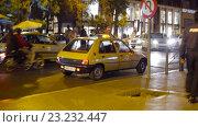 Купить «Такси города Марракеш в Марокко», видеоролик № 23232447, снято 19 января 2016 г. (c) Павел Котельников / Фотобанк Лори