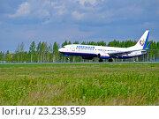 Купить «Смолет Boeing 737-800 компании Orenair Airlines  на взлетно-посадочной полосе аэропорта Пулково», фото № 23238559, снято 11 мая 2016 г. (c) Зезелина Марина / Фотобанк Лори