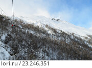 Купить «Вид со склонов Чегета», эксклюзивное фото № 23246351, снято 18 января 2020 г. (c) Staryh Luiba / Фотобанк Лори