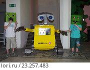 Купить «Выставка роботов на ВВЦ», фото № 23257483, снято 1 июля 2016 г. (c) Natalya Sidorova / Фотобанк Лори