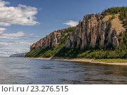 Купить «Каменные столбы на берегу реки Лены. Национальный парк.  Якутия, Россия», фото № 23276515, снято 28 июня 2011 г. (c) Victoria Ivanova / Фотобанк Лори