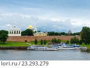 Купить «Великий Новгород. Пристань на реке Волхов», фото № 23293279, снято 18 июля 2016 г. (c) Зобков Георгий / Фотобанк Лори