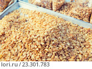 Купить «peanuts at asian street market», фото № 23301783, снято 7 февраля 2015 г. (c) Syda Productions / Фотобанк Лори