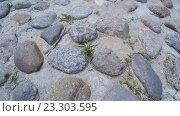 Купить «Каменный тротуар», видеоролик № 23303595, снято 22 апреля 2016 г. (c) Потийко Сергей / Фотобанк Лори