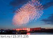 Купить «Фестиваль фейерверков в Москве, Россия», фото № 23311235, снято 23 июля 2016 г. (c) Соболев Игорь / Фотобанк Лори