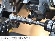Купить «metalworking industry. cutting tool making worm shaft at metal working», фото № 23312523, снято 26 мая 2016 г. (c) Дмитрий Калиновский / Фотобанк Лори