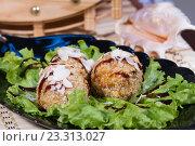 Мясные шарики в ореховой глазури под сладко-кислым соусом. Стоковое фото, фотограф Момотюк Сергей / Фотобанк Лори