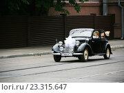 """""""Бентли"""" - свадебный ретроавтомобиль, фото № 23315647, снято 16 июля 2016 г. (c) Марина Шатерова / Фотобанк Лори"""