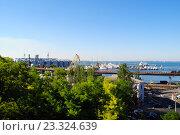 Морской порт Одессы (2016 год). Стоковое фото, фотограф Юлия Желтенко / Фотобанк Лори