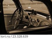 """""""Бентли"""" - свадебный ретроавтомобиль, фото № 23328639, снято 16 июля 2016 г. (c) Марина Шатерова / Фотобанк Лори"""