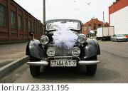 Бентли - свадебный ретро-автомобиль, фото № 23331195, снято 16 июля 2016 г. (c) Марина Шатерова / Фотобанк Лори