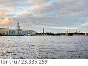 Пейзаж Санкт-Петербурга в вечернее время. Стоковое фото, фотограф Андрей Силивончик / Фотобанк Лори