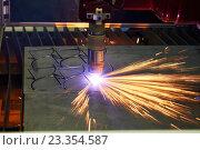 Купить «laser or plasma cutting metalworking with sparks», фото № 23354587, снято 24 мая 2016 г. (c) Дмитрий Калиновский / Фотобанк Лори