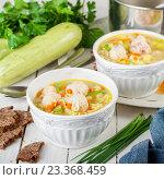 Летний суп с цукини, макаронами и фрикадельками. Стоковое фото, фотограф Татьяна Ворона / Фотобанк Лори
