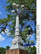Купить «Уличный фонарь в парке на Новопесчаной улице в Москве», эксклюзивное фото № 23382975, снято 10 августа 2016 г. (c) lana1501 / Фотобанк Лори
