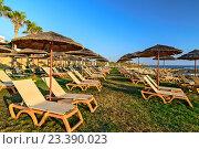 Купить «Пустой пляж», фото № 23390023, снято 5 июля 2013 г. (c) Евгений Дробжев / Фотобанк Лори