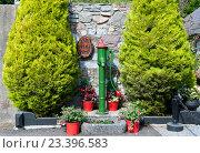 Купить «Старая водонапорная колонка», фото № 23396583, снято 9 сентября 2015 г. (c) Татьяна Кахилл / Фотобанк Лори