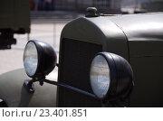 Купить «Радиаторная решетка и фары фронтового грузовика ГАЗ АА», фото № 23401851, снято 21 мая 2016 г. (c) Megapixx / Фотобанк Лори