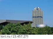 Купить «Штаб-квартира BMW в Мюнхене», фото № 23457271, снято 8 августа 2015 г. (c) Мария Козаченко / Фотобанк Лори
