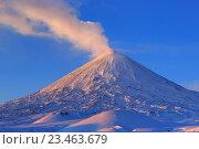 Купить «Камчатка, рассвет на Ключевском вулкане», фото № 23463679, снято 6 января 2016 г. (c) А. А. Пирагис / Фотобанк Лори