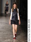 Купить «MILAN, ITALY - SEPTEMBER 28: A model walks the runway during the Arthur Arbesser fashion show as part of Milan Fashion Week Spring/Summer 2016 on September 28, 2015 in Milan, Italy.», фото № 23468339, снято 28 сентября 2015 г. (c) Anton Oparin / Фотобанк Лори