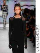 Купить «MILAN, ITALY - SEPTEMBER 24: A model walks the runway during the Max Mara show as a part of Milan Fashion Week Spring/Summer 2016 on September 24, 2015 in Milan, Italy.», фото № 23473911, снято 24 сентября 2015 г. (c) Anton Oparin / Фотобанк Лори
