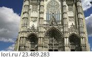 Готический собор Святого Гатьена. Франция (2016 год). Стоковое видео, видеограф Владимир Журавлев / Фотобанк Лори