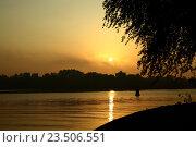 Утренний туман на озере. Стоковое фото, фотограф Sergey Borisov / Фотобанк Лори