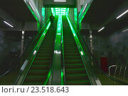 Купить «Эскалатор на станции «Деловой центр» Московского центрального кольца (МЦК)», эксклюзивное фото № 23518643, снято 12 сентября 2016 г. (c) lana1501 / Фотобанк Лори