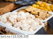 Купить «close up of meringue cookies on serving tray», фото № 23538335, снято 11 июня 2016 г. (c) Syda Productions / Фотобанк Лори