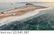 Купить «Аэросъемка с воздуха. Зима. Озеро Байкал. Малое море», видеоролик № 23541387, снято 4 сентября 2016 г. (c) Виталий Зверев / Фотобанк Лори