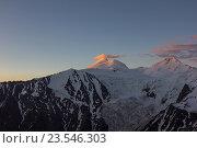 Гора Казбек 5033м. Стоковое фото, фотограф Валера Сабанов / Фотобанк Лори