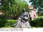 Купить «Памятник Александру Пушкину, в Оренбурге, Россия», фото № 23574195, снято 23 июня 2016 г. (c) Татьяна Кахилл / Фотобанк Лори