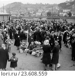 Czechoslovakia. Sudetenland Germans in the area of Liberec, North Bohemia gathering for transfer back to Germany after WW 2. May 6, 1946. Редакционное фото, фотограф Sovfoto \ UIG / age Fotostock / Фотобанк Лори