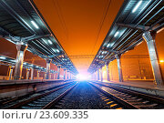 Купить «Railway station at night. Train platform in fog. Railroad», фото № 23609335, снято 17 июля 2018 г. (c) age Fotostock / Фотобанк Лори