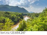 Купить «Долина зеленой реки Квай, Канчанабури, Таиланд», фото № 23654247, снято 30 марта 2015 г. (c) Тупиков Максим Борисович / Фотобанк Лори
